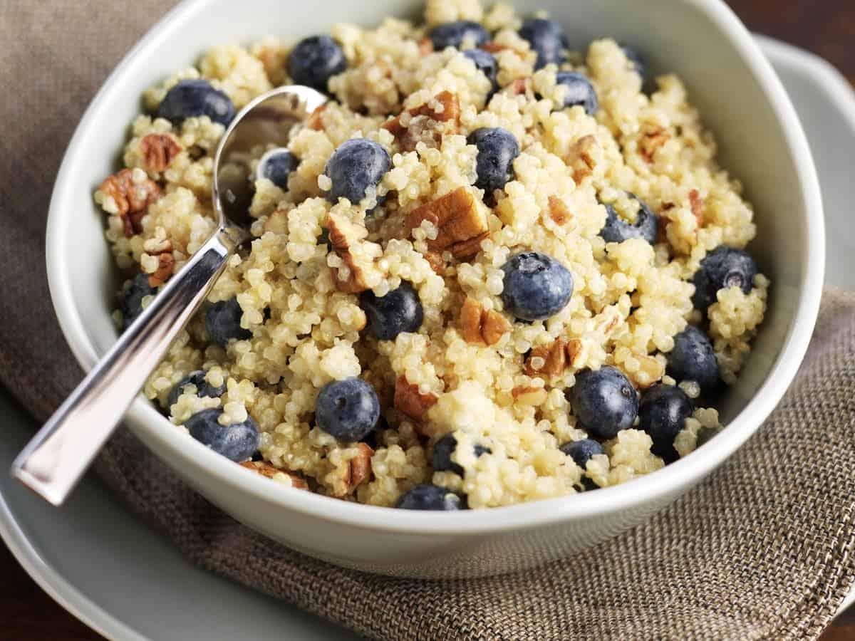 blueberry quinoa breakfast cereal ashx