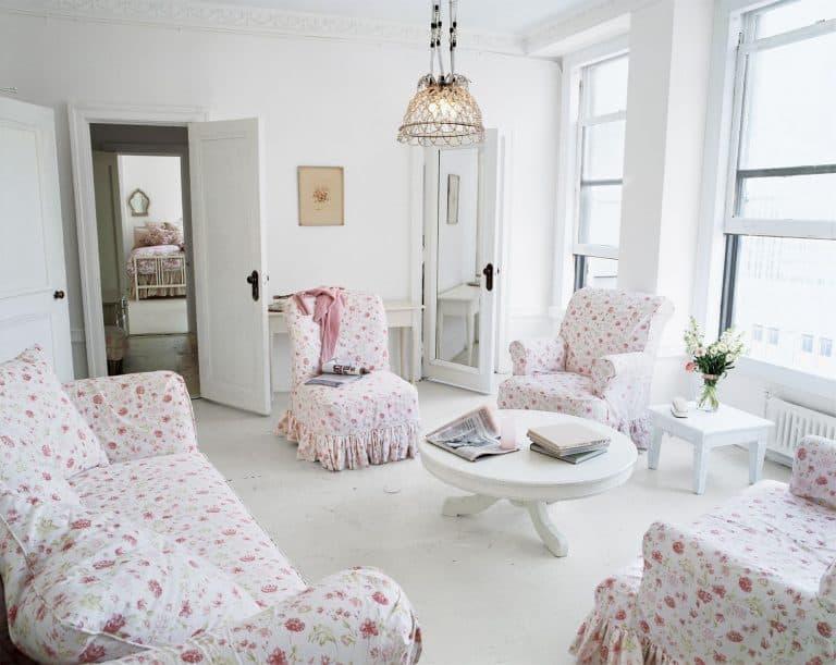 1486409365 rachel ashwell living room 0317 768x611