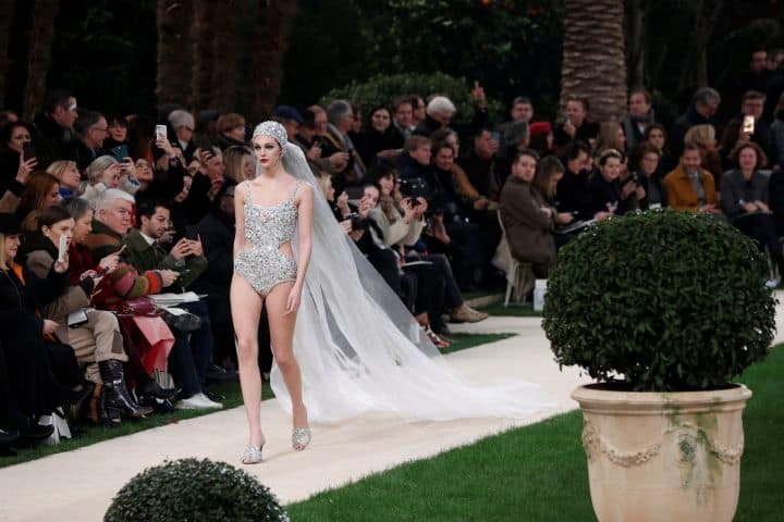 2019 01 22t100125z_2031933518_rc1dc2e4a320_rtrmadp_3_fashion paris haute couture