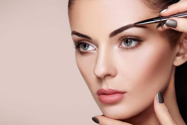 Highly Defined Brows MOBILE BANNER 768x512