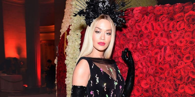 elle met gala flower crowns gettyimages 955751490 1525756131