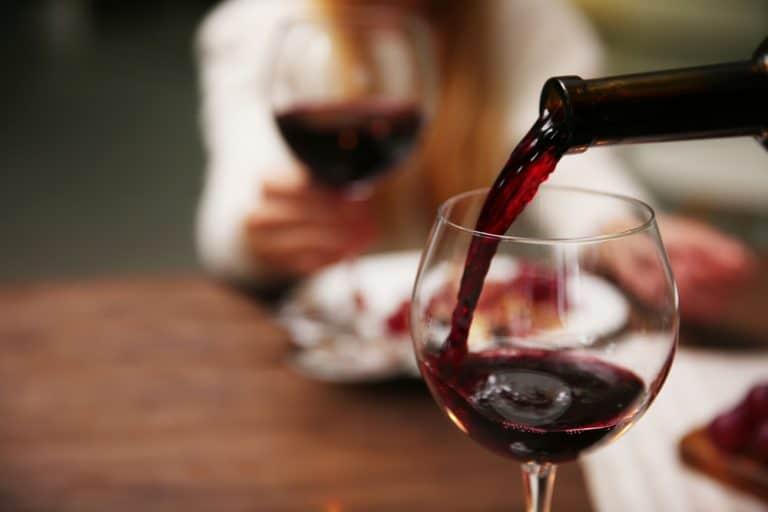 kako da prepoznaete rasipano vino 768x512