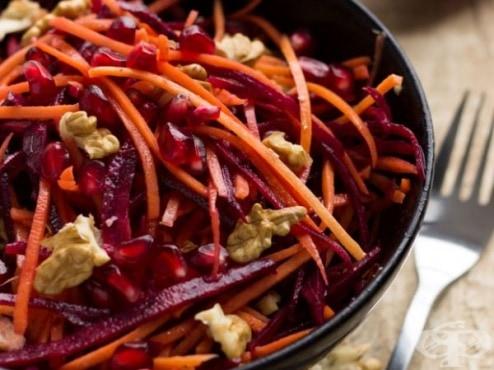 morkovena salata s cherveno cveklo nar i orehi 1