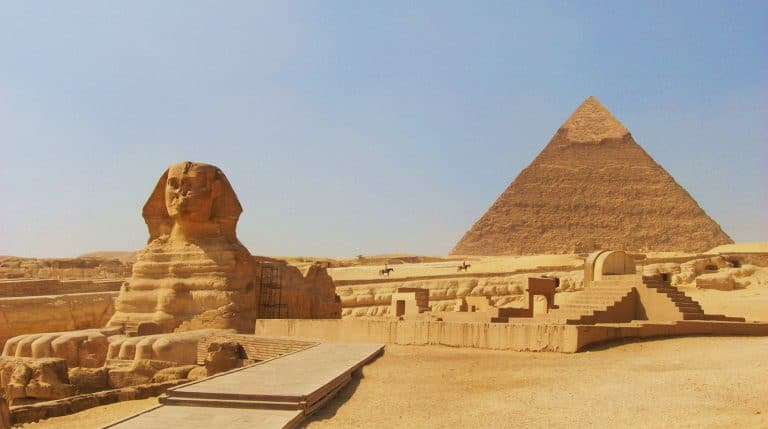 the sphinx at gizacairo in egypt with the pyramid of chephren khafre in the background 768x429
