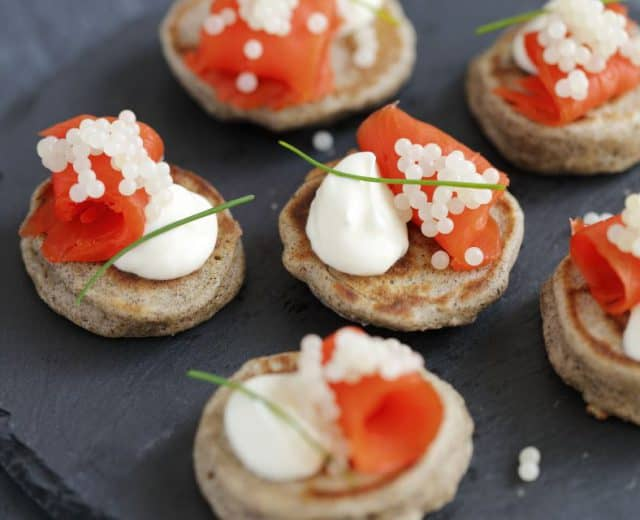 traditional blins with cream fraiche smoked salmon and bogle white caviar 640x520