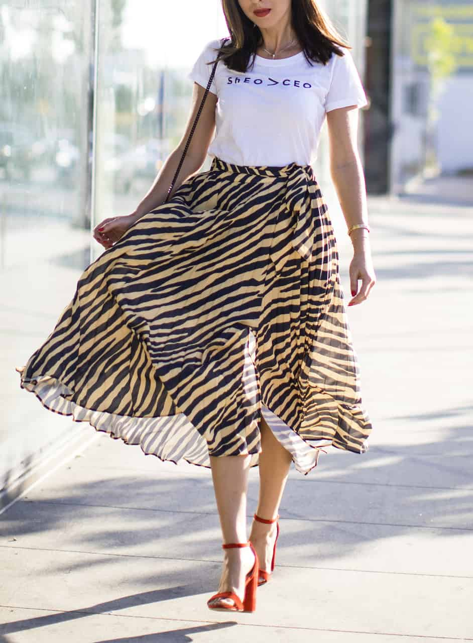 Sydne Style wears topshop zebra skirt for animal print trend outfit ideas