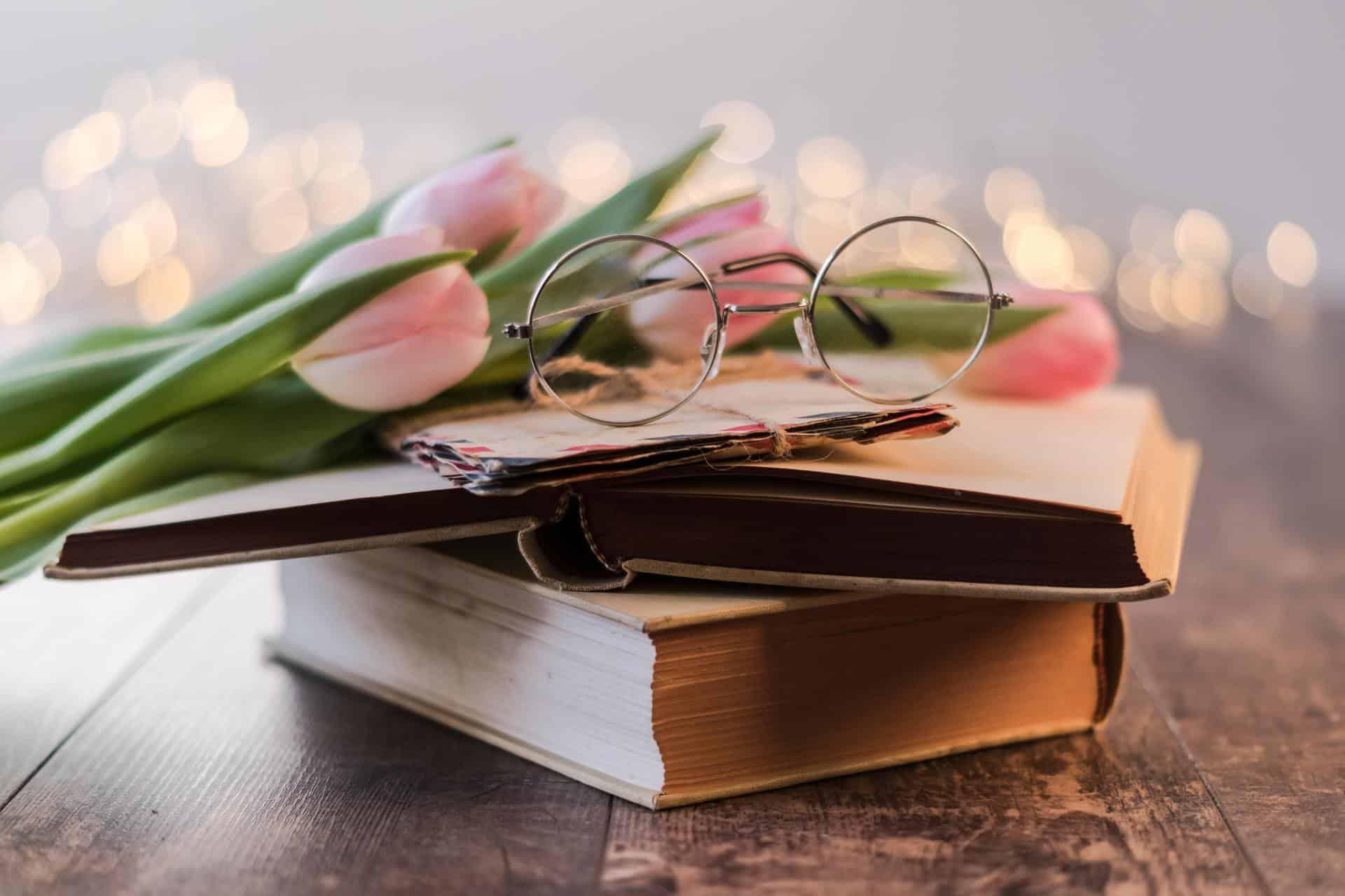 books envelopes eyeglasses 1906437