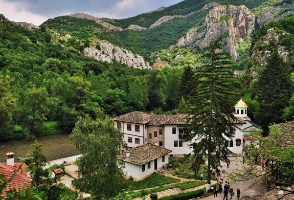 черепишкия манастир