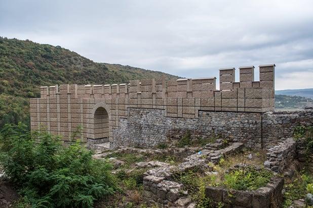 крепостта кракра
