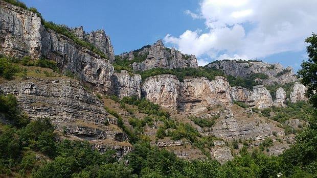 лакатнишките скали