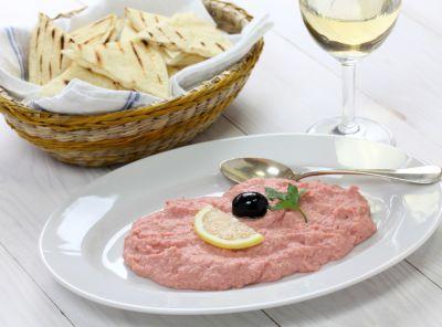 tarama salad olives12